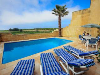 Bright 4 bedroom Farmhouse Barn in Gharb - Gharb vacation rentals