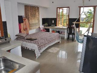 Nice Condo with Ceiling Fans and Patio - Auroville vacation rentals