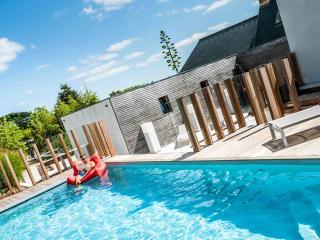 Maison lkh design, Bugueles, piscine box à chevaux - Penvenan vacation rentals