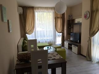 1 bedroom Apartment with Hot Tub in Primorsko - Primorsko vacation rentals