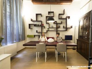 Apt di design a due passi dal Duomo - Milan vacation rentals