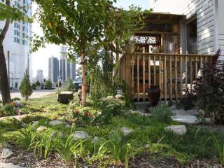 Downtown, By the River- Batchelor unit - Windsor vacation rentals