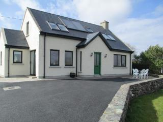 Comfortable 3 bedroom Cottage in Waterville with Internet Access - Waterville vacation rentals