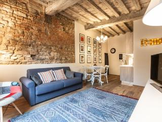 Oltrarno Boheme Apartment - Florence vacation rentals