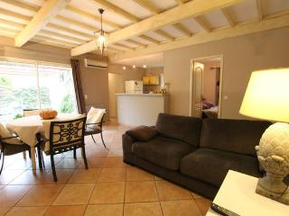 2 bedroom House with Corporate Bookings Allowed in Saint-Didier - Saint-Didier vacation rentals