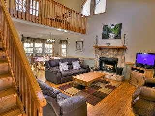 Beautiful 3 bedroom Cabin in Helen - Helen vacation rentals