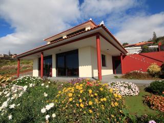 Beautiful 3 bedroom Villa in Estreito da Calheta - Estreito da Calheta vacation rentals