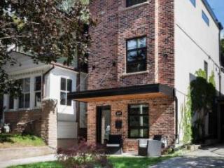 Large 3 Story, 3 Bedroom, 3 Bathroom Loft Home - Toronto vacation rentals