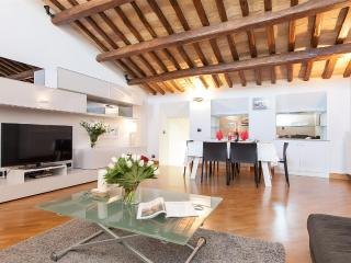 San Lorenzo in Lucina Deluxe - Rome vacation rentals
