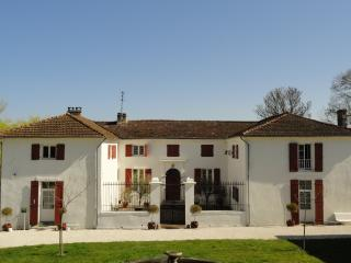 Domaine de Mothis - 3 properties with large pool - Pujols vacation rentals
