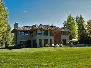 Stunning & Stylish Golf Course Home - Guest Access to Elkhorn Member Center (1164) - Sun Valley vacation rentals