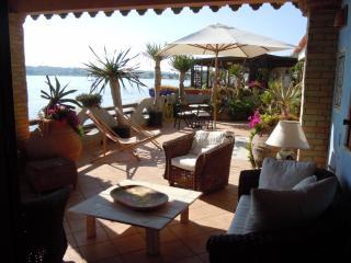 Villa Marevivo di fronte mare - Syracuse vacation rentals