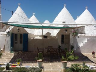 B&B Trullo Nicolò, cone house in Apulia (Italy) - Martina Franca vacation rentals