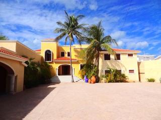 Perfect 3 bedroom Progreso House with Internet Access - Progreso vacation rentals