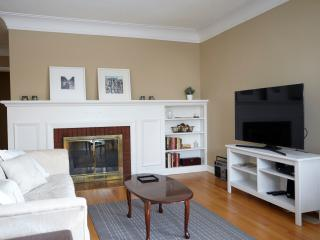 Spacious 2 bedroom house. - Ottawa vacation rentals