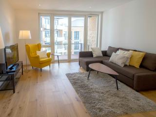 Modern 2 Bed / 2 Baths Ensuite In Hoxton - London vacation rentals