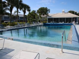 Ground Level 2 Bedroom Beach Themed Condo - Venice vacation rentals