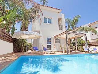 Cozy 2 bedroom Kapparis Villa with Parking - Kapparis vacation rentals