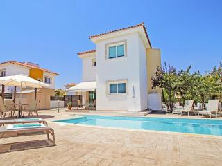 Beautiful 3 bedroom Villa in Liopetri - Liopetri vacation rentals