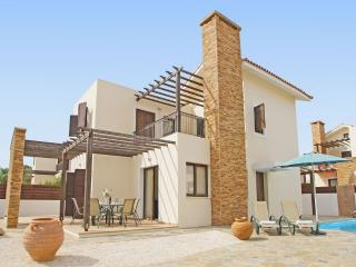 Lovely 3 bedroom Villa in Liopetri with Parking - Liopetri vacation rentals