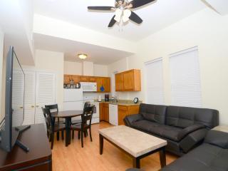 Dupont Adams Morgan Cozy Delight - Washington DC vacation rentals