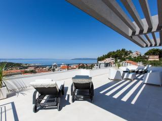 Villa Palladium, new villa with penthouse and pool - Makarska vacation rentals