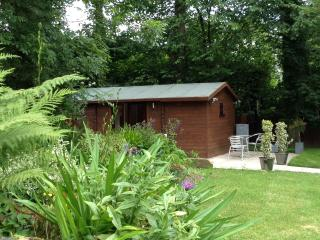 Everglades Luxury Log Cabin - Oswestry Town Centre - Oswestry vacation rentals