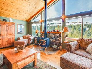 A gorgeous mountain view deck & access to a shared pool, hot tub, and gym! - Truckee vacation rentals
