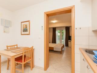 Villa Luna- Apt Sandra - Okrug Gornji vacation rentals
