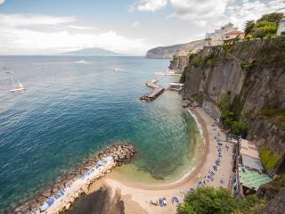 Sorrento 2 BR apartment with view & access to sea - Sorrento vacation rentals