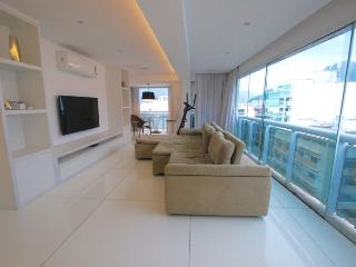 Luxurious Triplex 3 bedrooms 3 bathroom Penthouse apt in Ipanema - Best Location! - Rio de Janeiro vacation rentals