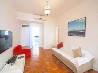 Modern 3 bedrooms apt in Arpoador, sleeps 8 - Rio de Janeiro vacation rentals