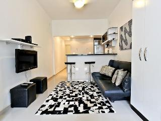 Newly Remodeled quiet studio apartment located in Copacabana posto 6 walking - Rio de Janeiro vacation rentals