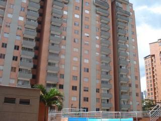 2bd/2ba Heated Pool, Gym - Patio Bonito - Poblado - Medellin vacation rentals