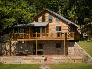 Iguana's Luxury Log Cabin - Lake Ozark vacation rentals