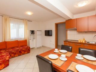 Villa Luna-Apt Jennie - Okrug Gornji vacation rentals