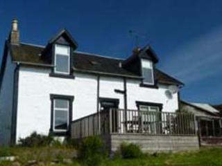 Bright 4 bedroom House in Tighnabruaich with Internet Access - Tighnabruaich vacation rentals