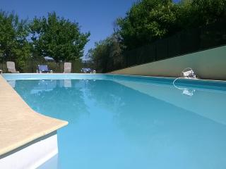 An Diadan - Gite sleeps up to 6, with shared pool - Loubes-Bernac vacation rentals