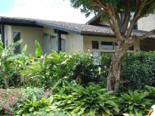 Light, Bright & Airy 3 Bedroom Princeville Townhom - Princeville vacation rentals