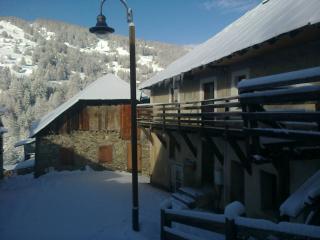 Ferme restaurée au ski avec sauna pour 10/ 15 pers - Vars vacation rentals
