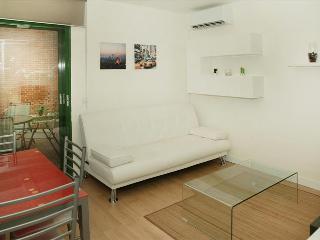 Apartamento Parque de El Retiro 1ºB - Madrid vacation rentals