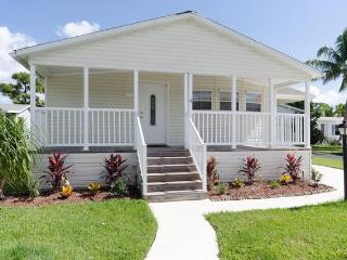 Nice House with Internet Access and A/C - Palm Beach Gardens vacation rentals