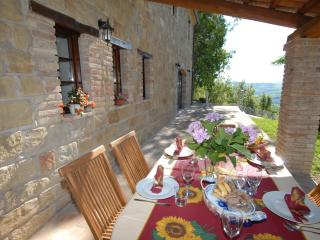 3 bedroom Farmhouse Barn with Internet Access in Massignano - Massignano vacation rentals
