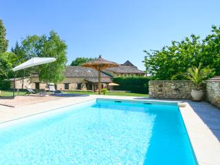 Bright 5 bedroom Bergerac House with Private Outdoor Pool - Bergerac vacation rentals