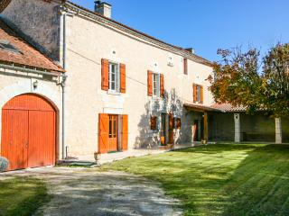 4 bedroom House with DVD Player in Perigueux - Perigueux vacation rentals