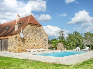 Beautiful House in Cendrieux with Private Outdoor Pool, sleeps 6 - Cendrieux vacation rentals