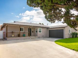 Special Offer! Big & Beautiful 5-Bedrooms/3-Baths/Pool/Spa Near Disneyland and Convention Center & Beaches - Anaheim vacation rentals