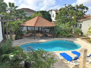 Charming 3 bedroom Villa in Eagle Beach - Eagle Beach vacation rentals