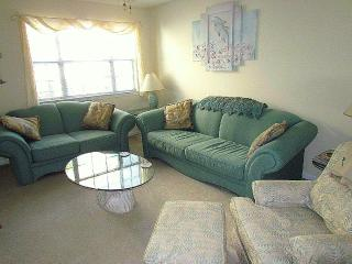 Nice Condo with Deck and Internet Access - North Myrtle Beach vacation rentals