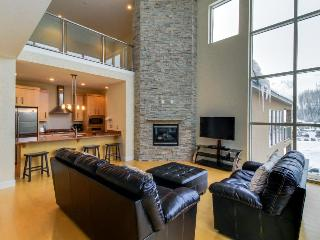 Modern and bright condo right in the heart of Brian Head. - Brian Head vacation rentals